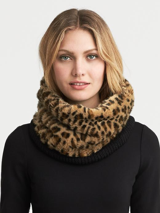 Banana Republic Faux Fur Trim Neckwarmer - Leopard - Banana Republic Canada
