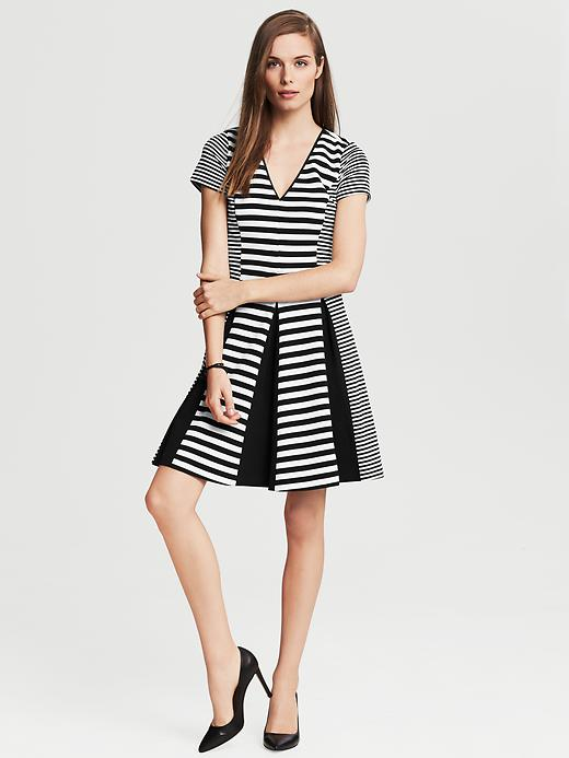 Banana Republic Mixed Stripe Fit And Flare Dress - Black/ white stripe - Banana Republic Canada