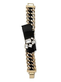 Bracelet médaillon orné de bijoux