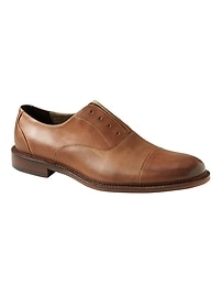 Clyve Laceless Oxford