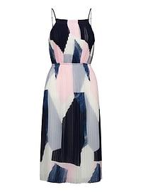 Robe à imprimé plissée, coupe ajustée et évasée