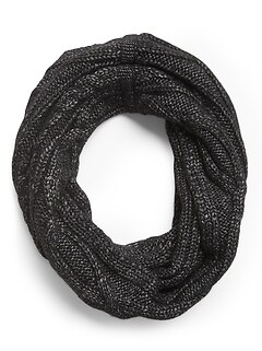 Cable-Knit Circle Scarf
