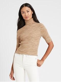 Haut en tricot à col roulé teint par espacement