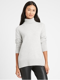 Relaxed Chunky Turtleneck Sweater