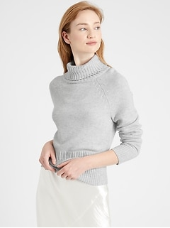 Cashmere Turtleneck Cropped Sweater