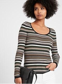 Haut en tricot, coupe cintrée, à encolure échancrée