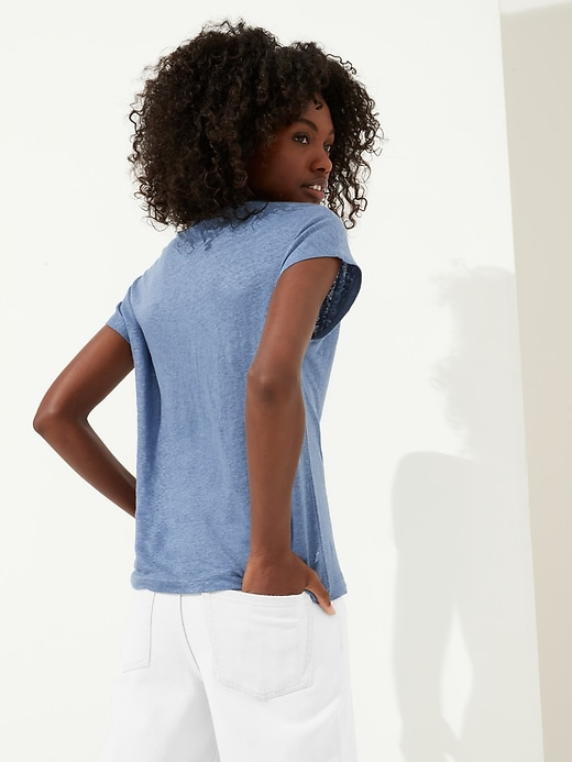Linen Scoop-Neck T-Shirt